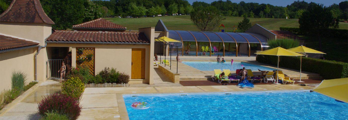 Piscine couverte chauffée Camping Dordogne