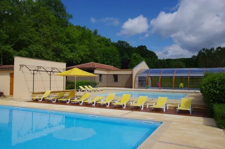 Camping dordogne met verwarmt zwembad caming met zwembad p rigord les valades - Houten strand zwembad ...