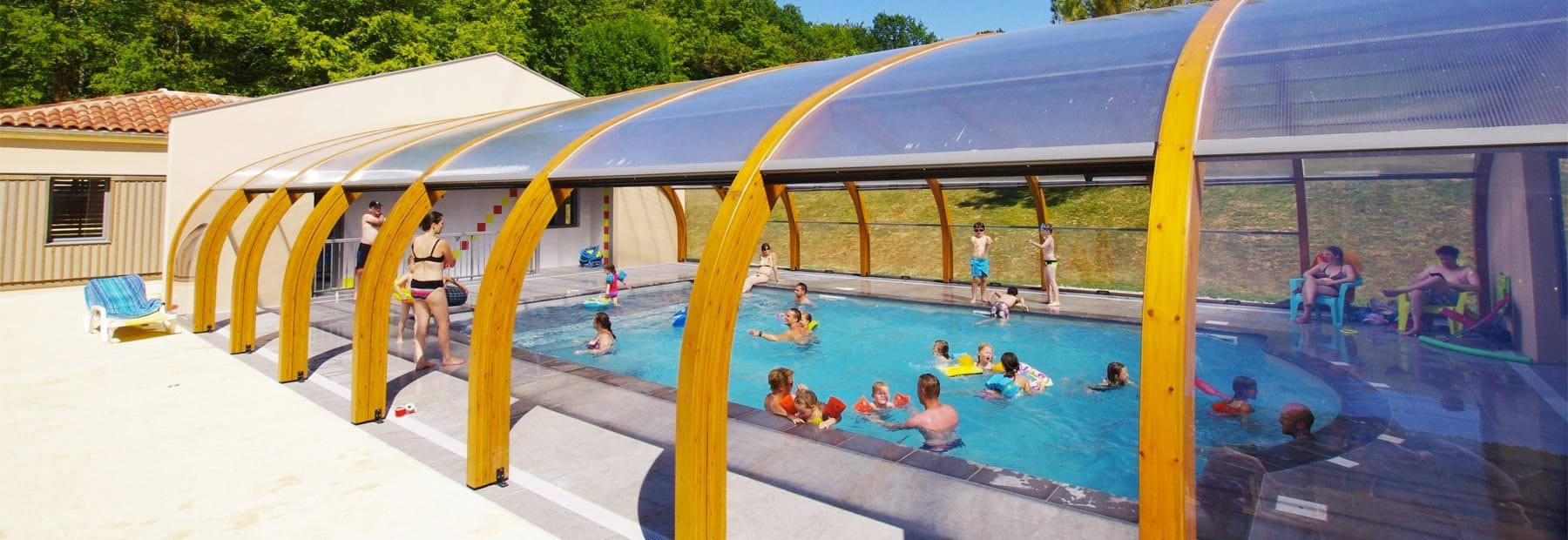 Piscine Couverte Of Camping 4 Toiles Dordogne Location Chalet Mobilhome