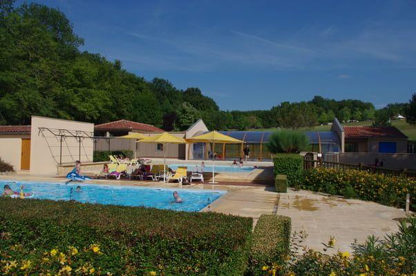 Espace aquatique en Dordogne-Piscine couverte-Piscine extérieure chauffée